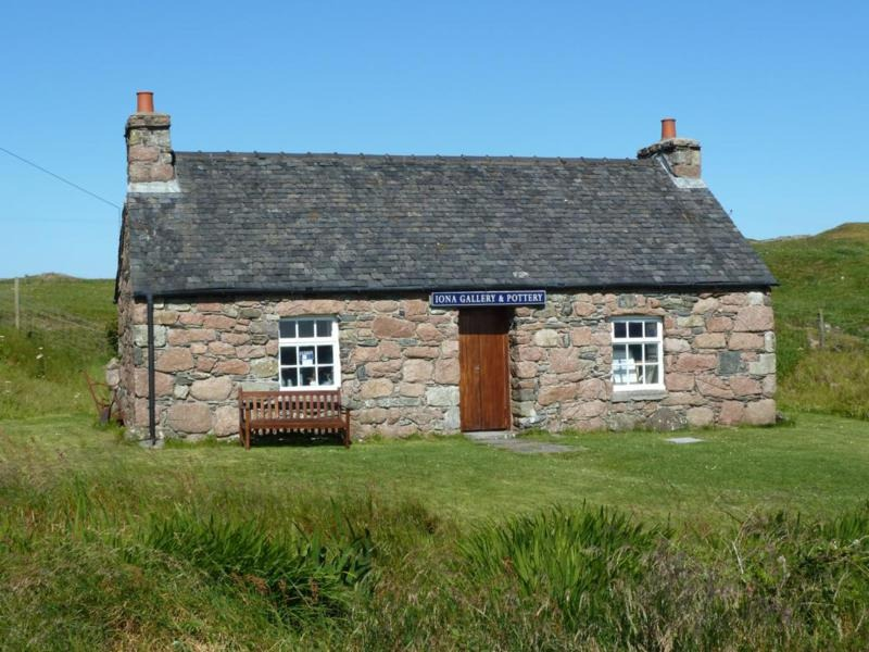Iona Gallery and Pottery