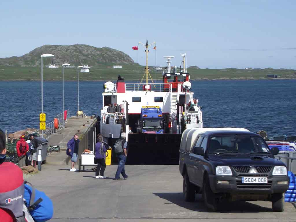 Iona ferry getting to Iona from Fionnphort